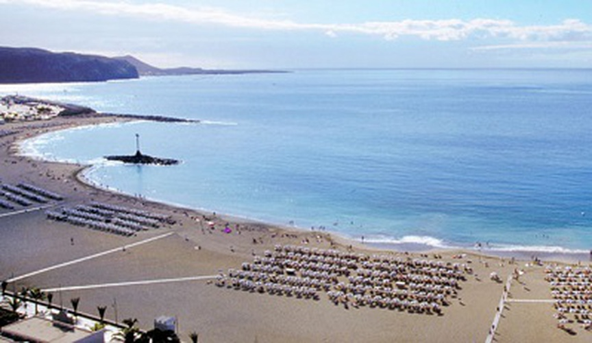 LAS VISTAS BEACH IN LOS CRISTIANOS. Coral Hotels